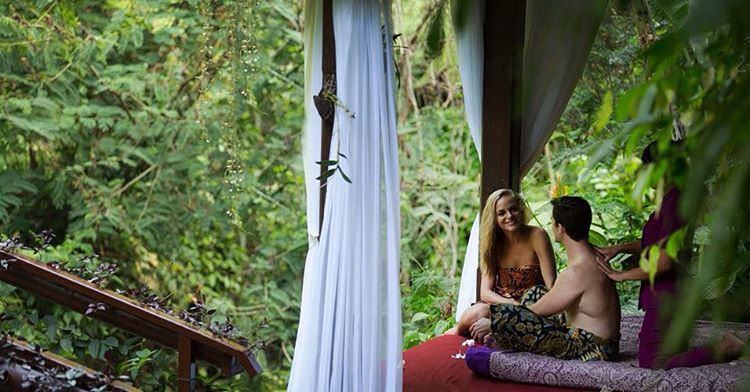 Couples massage within the jungle and by the river anyone? #hanginggardensofbali #bali #indonesia #jungle #forest #ayungriver #rainforest #river #massage #luxury #couplesmassage #resort #hotel #nature #beauty #life