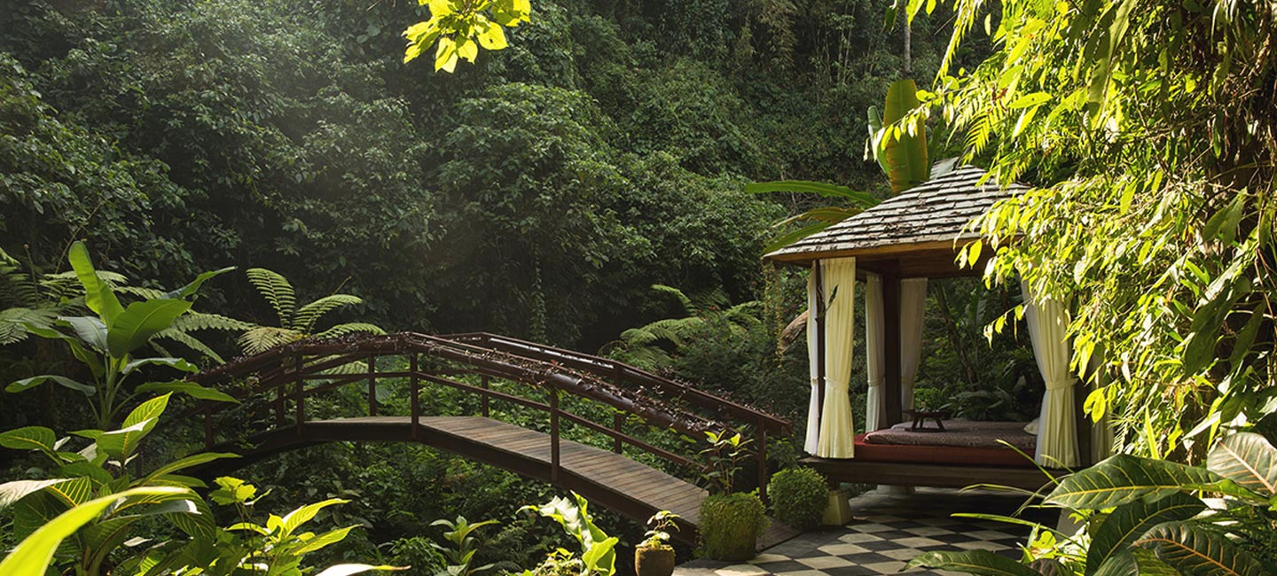 spa treatments hanging gardens bali resort ubud. Black Bedroom Furniture Sets. Home Design Ideas